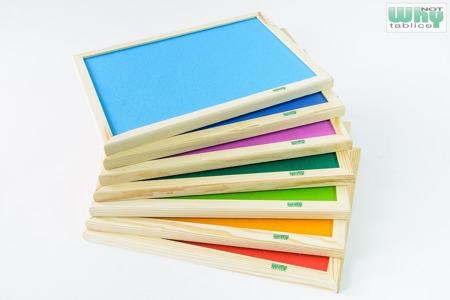 Tablica korkowa barwiona w ramie drewnianej 90x120 cm